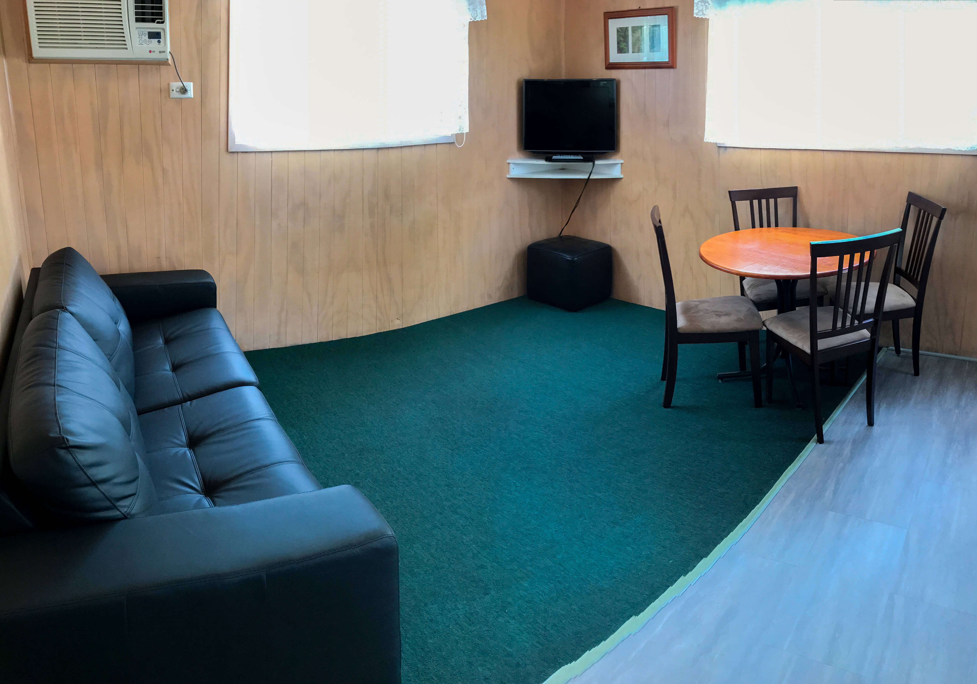 Cabin 56 - Sitting area